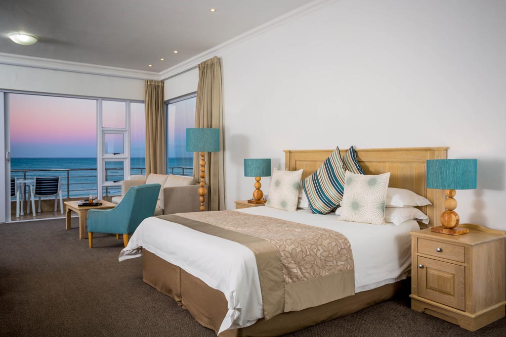 luxury-sea-view-guest-room100